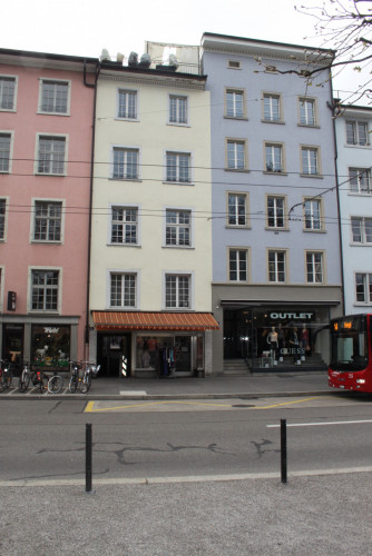 Umbau Altstadtwohnung, Winterthur – Grosszügiges Wohnerlebnis auf kleinem Raum